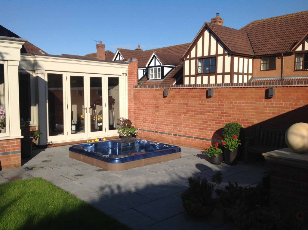Residential Hot Tub £14,000 and over (inc VAT) - Bronze Award - Complete Spas